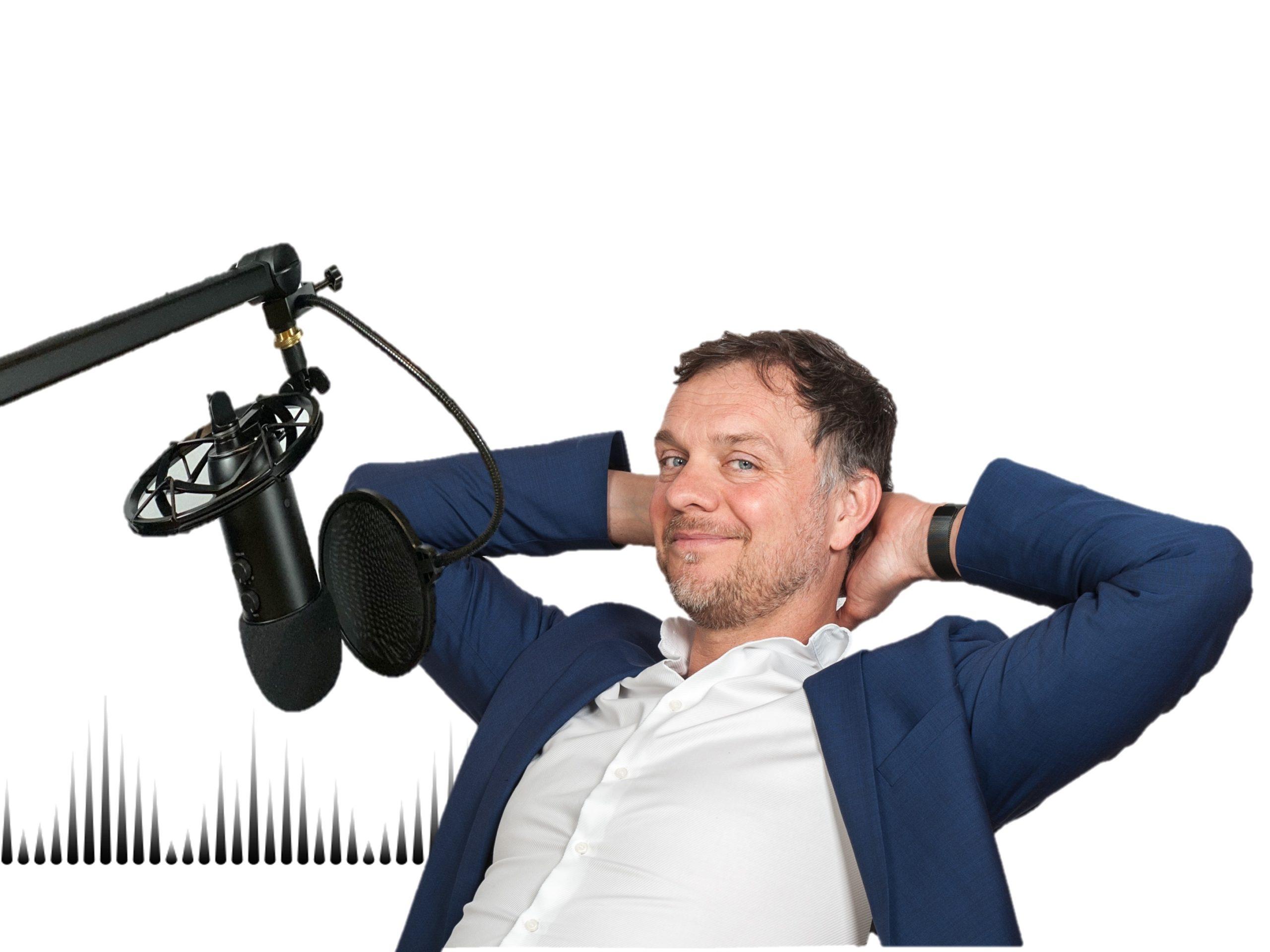 Am Mikrofon - Dr. Volker Busch